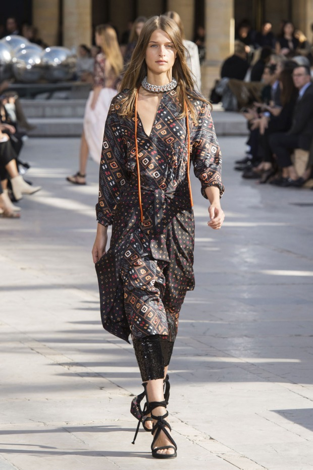 Indian women wear colorfully printed kurti tunics all the time. I regret not getting one — it would have been perfect, like this Isabel Marant version.