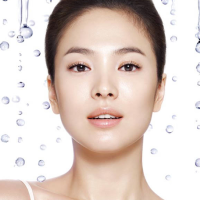Deciphering K-Beauty's Mul-gwang, That Juicy, Wet-Sheen Look
