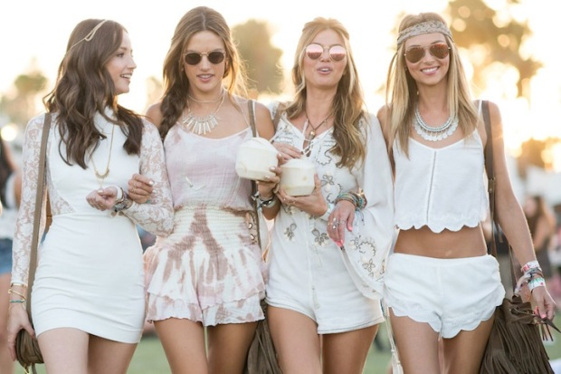 music festival fashion and beauty how to stay cool at a music festival