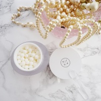 Pearls of Wisdom (And Good Skin): J. One Hana Cream Review