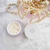 Pearls of Wisdom (And Good Skin): J. One Hana Cream Review