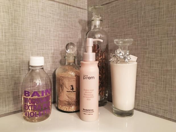 make prem in shower mask